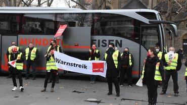 Busfahrer*innen in Peine und Vechelde im Streik für gleiche Bezahlung