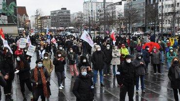 600 Braunschweiger*innen gegen Nazis auf der Straße